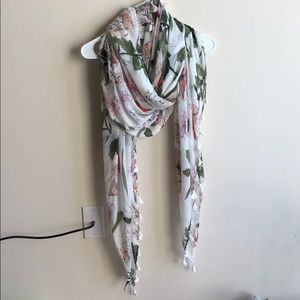 Ann Taylor large soft floral scarf with fringes